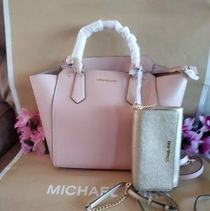 MK purse hand / shoulder bag crossbody w/wallet